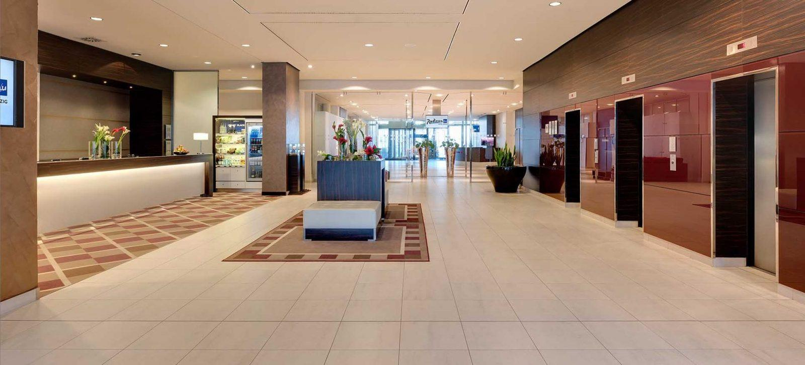 Radisson-Blu-Leipzig-Lobby-Rezeption